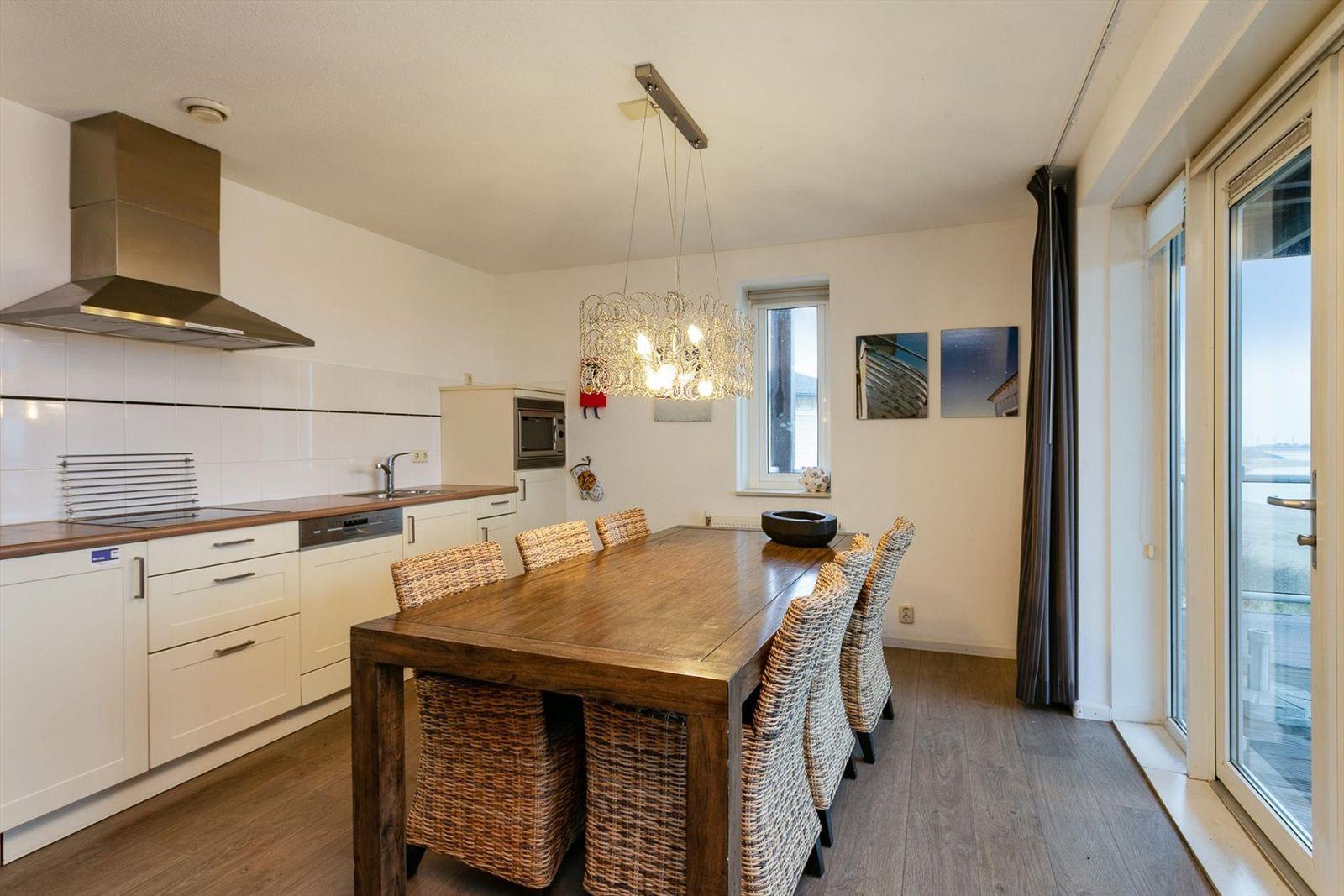 Vakantiehuis te koop in Zuid-Holland in Hellevoetsluis (8).jpg