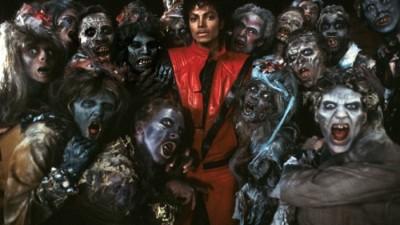 Сборник самых танцевальных треков Майкла Джексона выпущен на светящейся пластинке