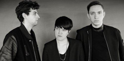 Новый сингл группы ХХ - «On Hold» выходит в релиз на 7-ми дюймовых пластинках