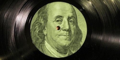 Доходы от продаж винилов превысили прибыль от загрузок с музыкальных веб-ресурсов