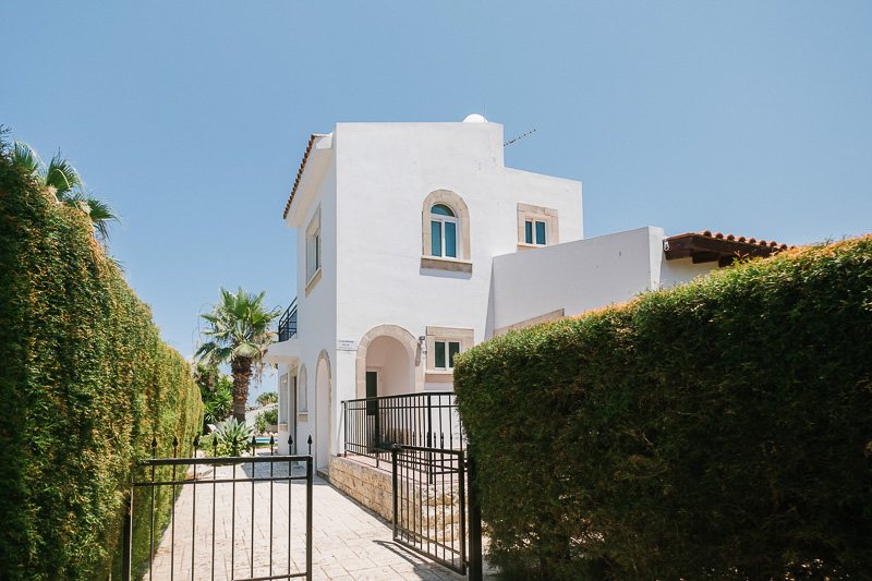 Cleopatra Villa picture