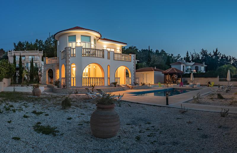 Villa Komissa picture