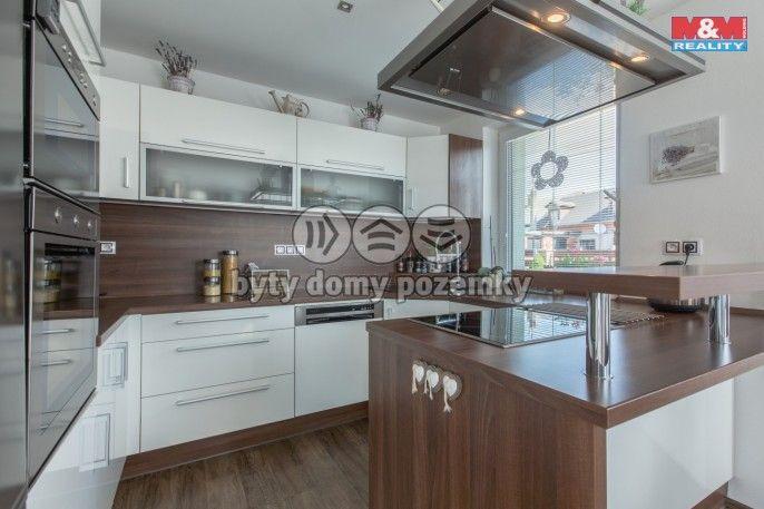 Prodej, Rodinný dům, 1225 m², Háje