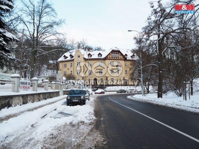 Prodej bytu 2+1, 105 m², Karlovy Vary, ul. Na