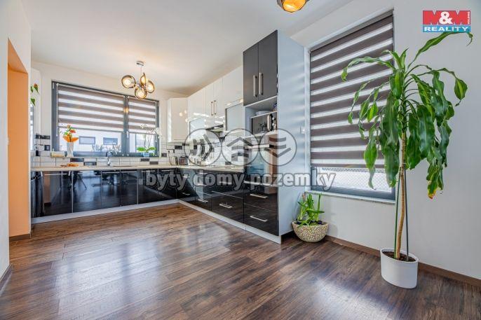 Prodej, Rodinný dům, 389 m², Mukařov, Pampelišková