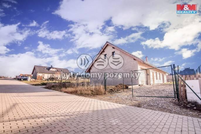 Prodej, Rodinný dům, 939 m², Střemy