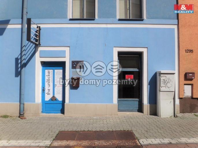 Pronájem obchodního prostoru, 15 m2, Kladno, ul.
