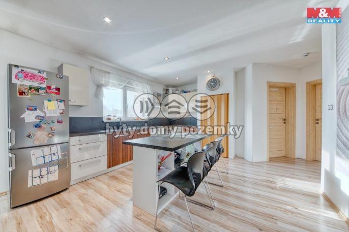 Prodej, Rodinný dům, 110 m², Kněževes, Jižní
