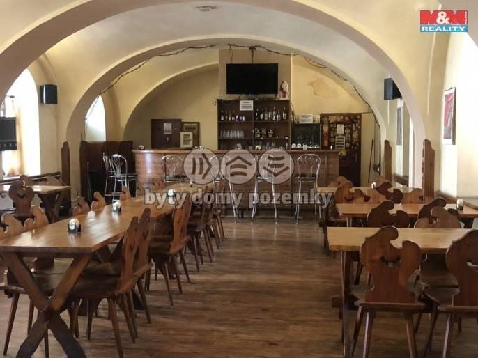 Pronájem, Restaurace, stravování, 2149 m², Dobříš, Mírové náměstí