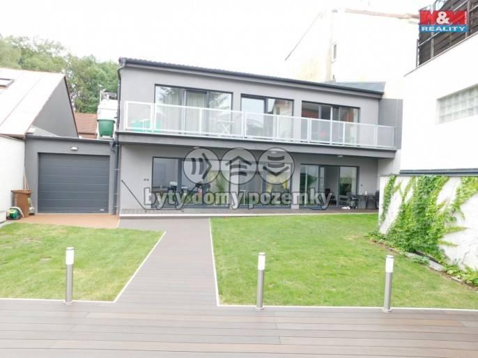 Prodej, Nájemní dům, 200 m², Praha