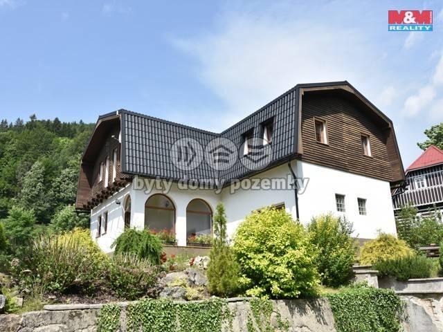 Prodej, Rodinný dům, 1097 m², Desná