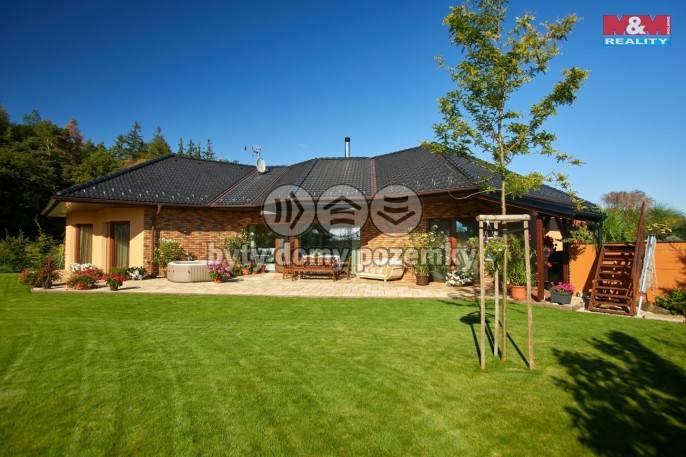 Prodej, Rodinný dům, 1110 m², Babice, Slunečná