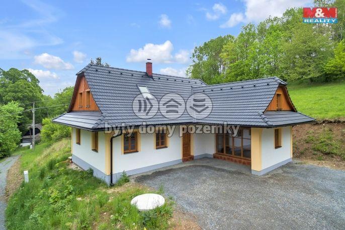 Prodej, rodinný dům 5+kk, 1723m2, Korouhev - Maksičky