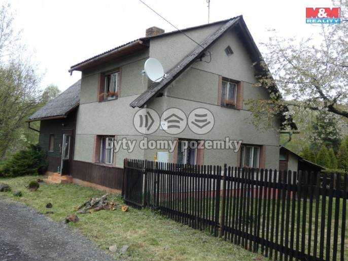 Prodej, Rodinný dům, 1026 m², Mezina