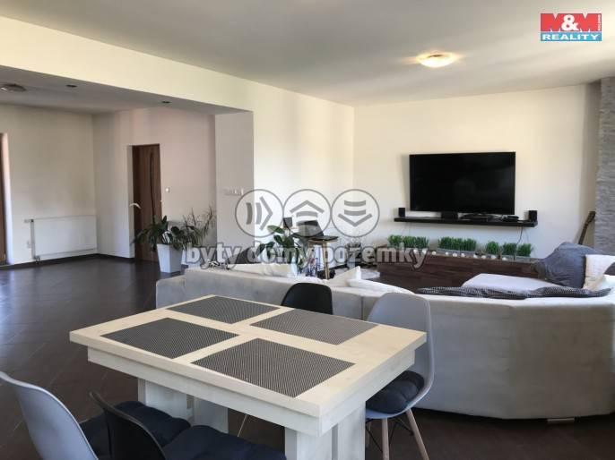 Prodej, Rodinný dům, 670 m², Doubravník