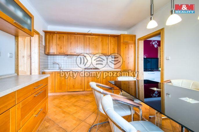 Prodej bytu 4+1, 98 m², Karlovy Vary, ul. U