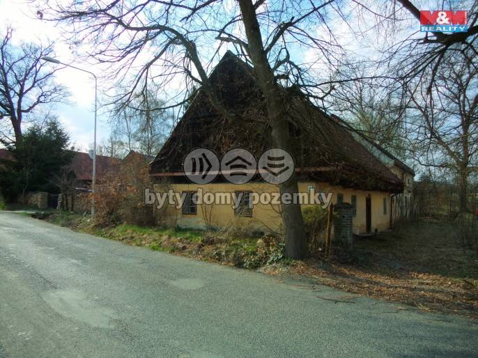 Prodej, Rodinný dům, 1082 m², Zahrádka
