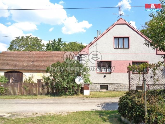 Prodej, Rodinný dům, 1612 m², Březí
