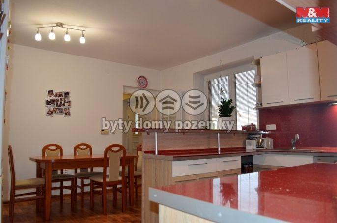 Prodej, Rodinný dům, 758 m², Stavenice