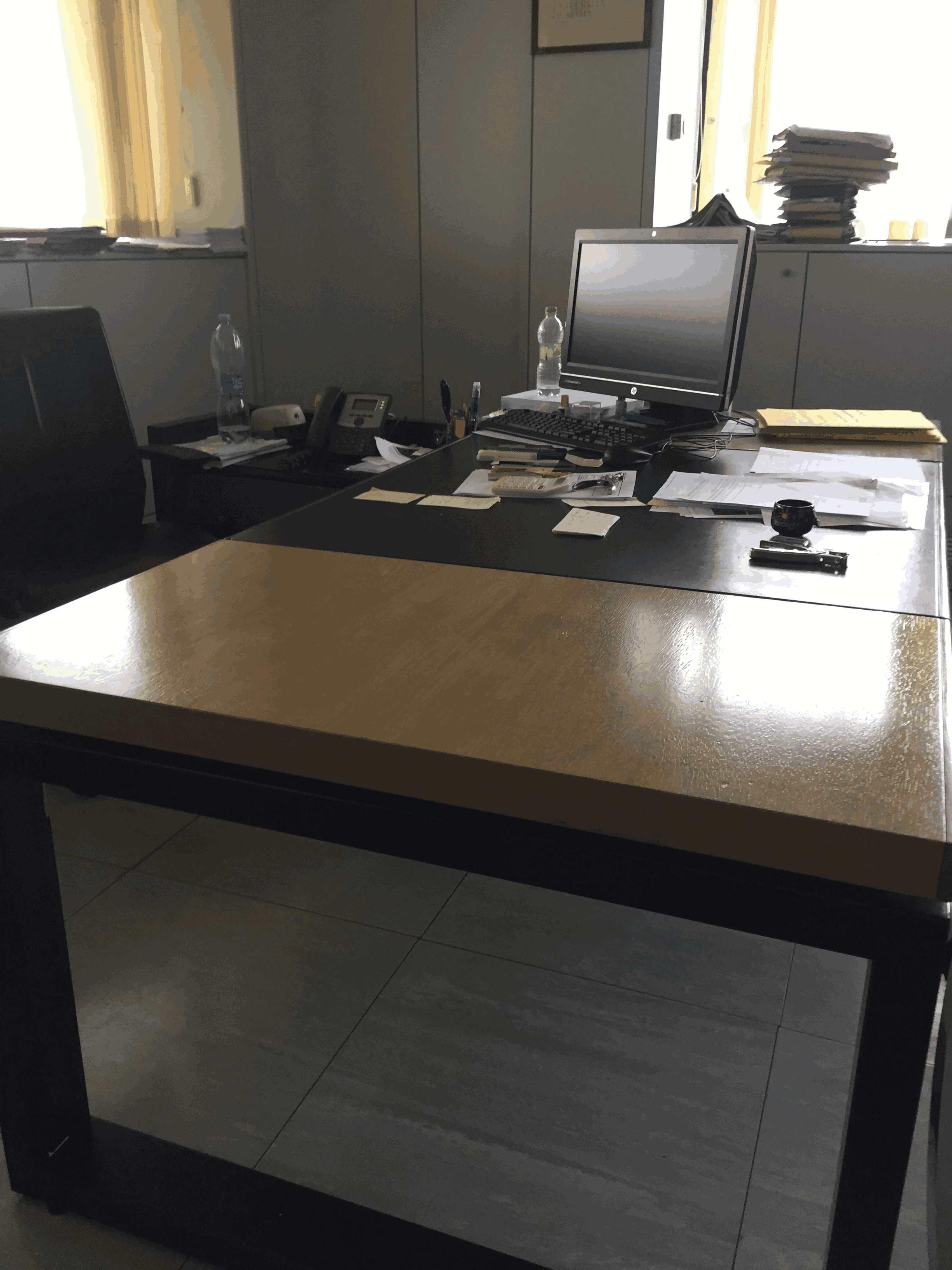 Lotto 2 ufficio completo n 2 scrivania poltrone for Ufficio completo offerte