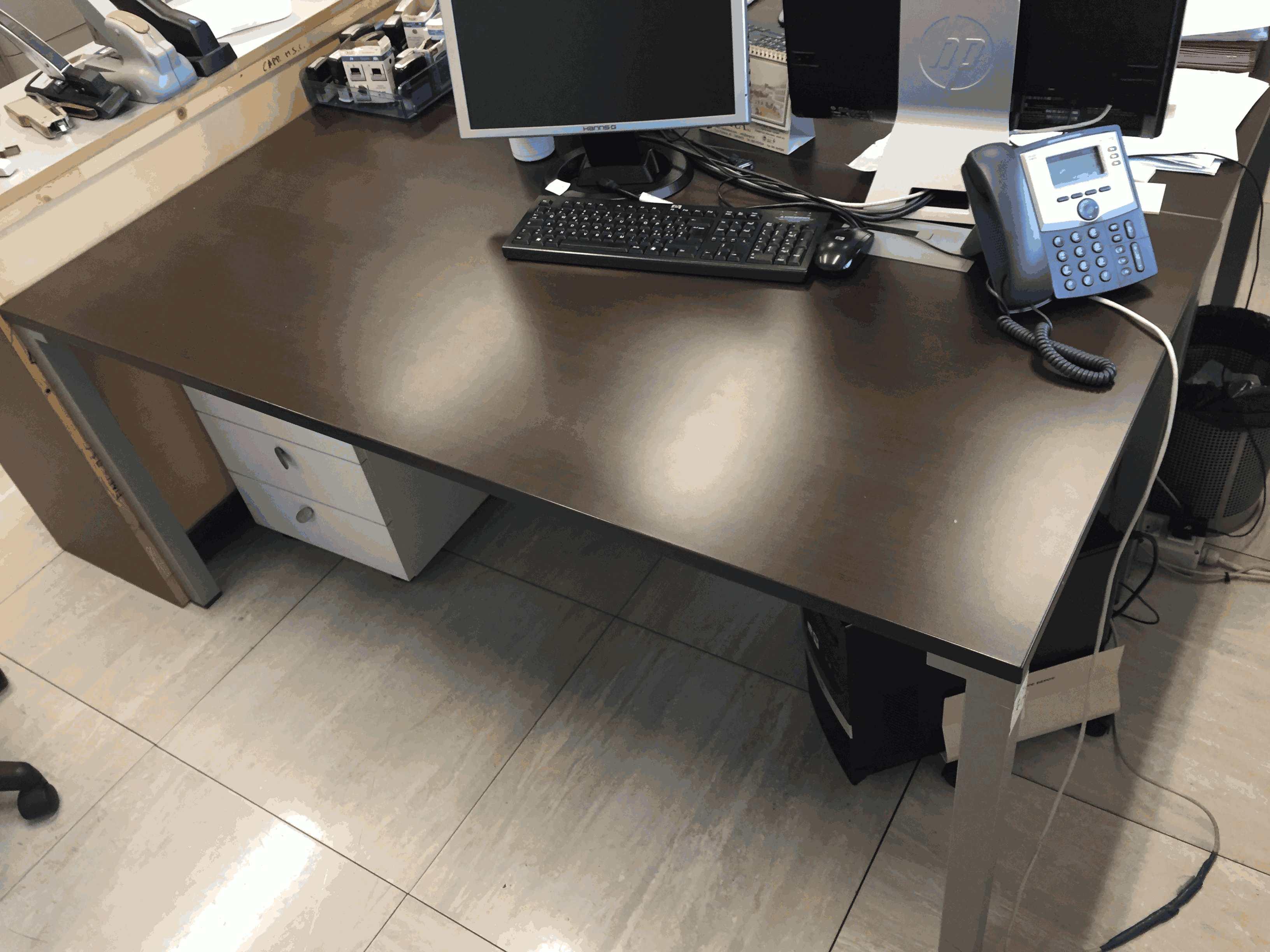 Scrivania Ufficio Normativa : Scrivania uff acquisti cassettiera ufficio acquisti sedia