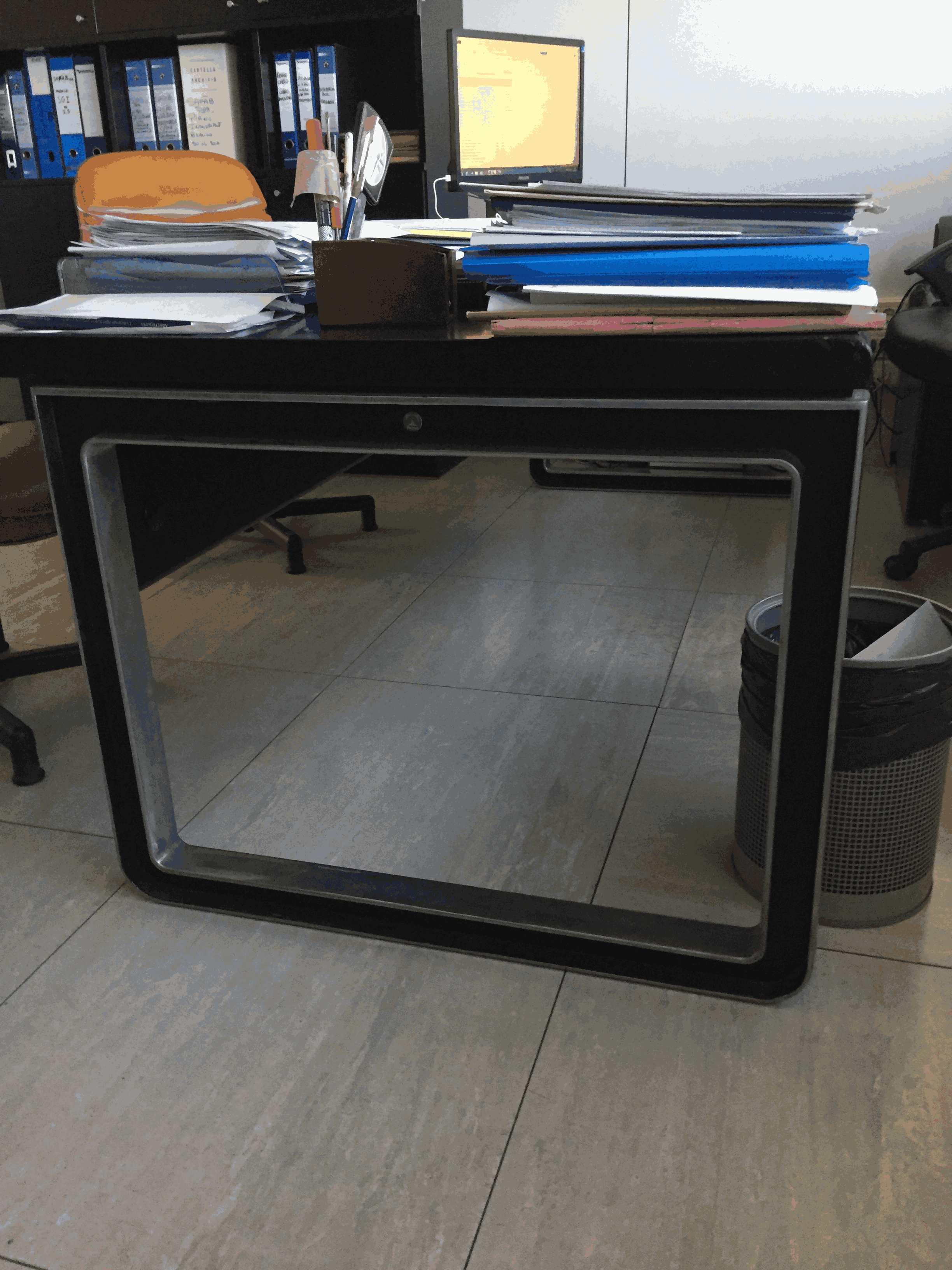 Lotto 1 ufficio completo scrivania poltrone armadio for Ufficio completo offerte