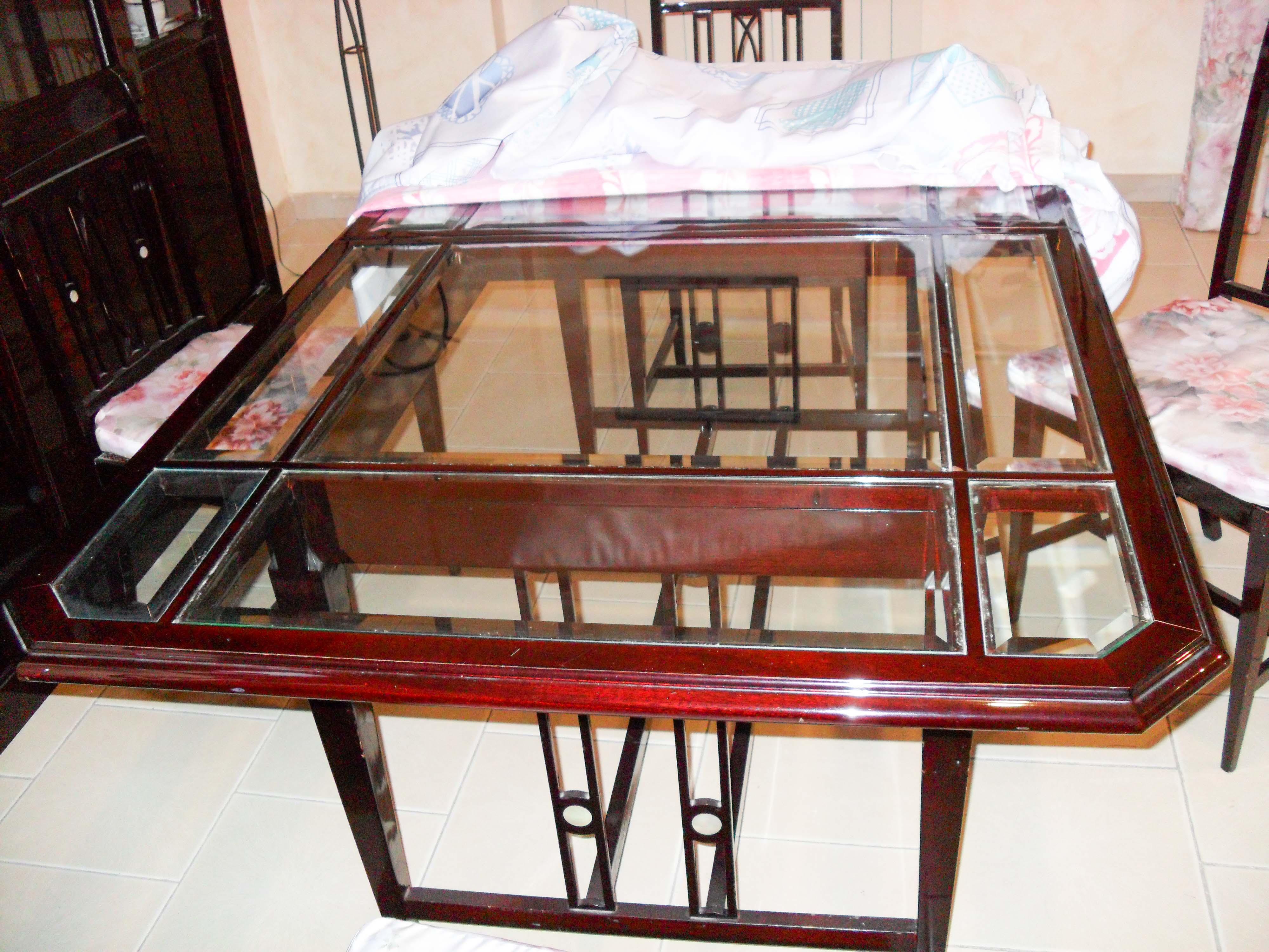 Ripiani In Legno Per Tavoli : N tavolo posti in legno scuro con ripiano in vetro astemobili