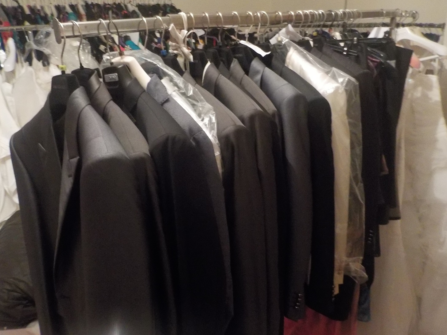 9f710494131e La tua scelta migliore di abbigliamento stock fallimenti