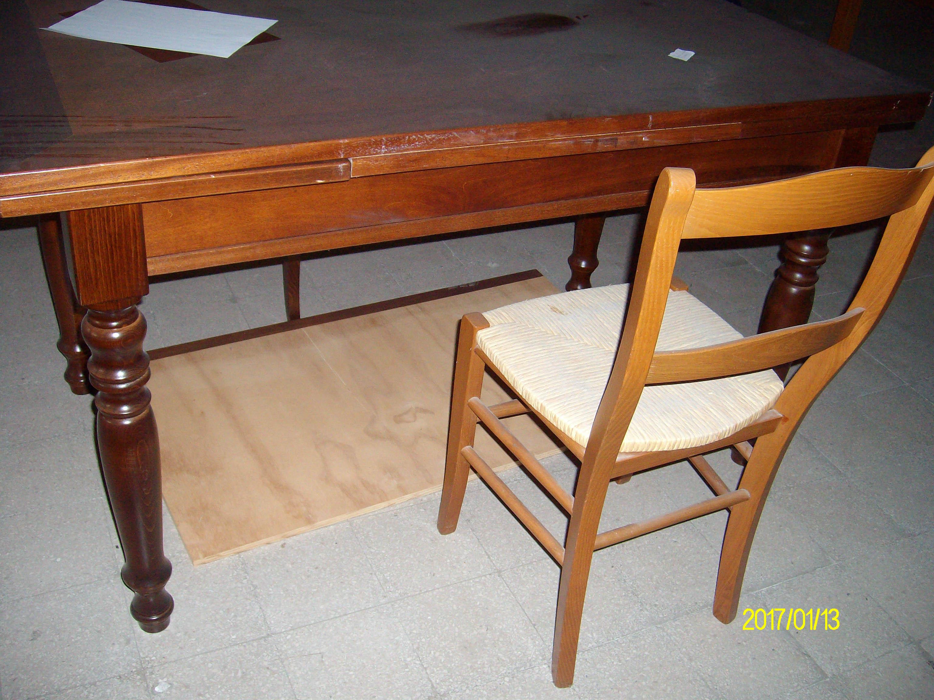 Tavolo da cucina in legno massello - Astemobili.it