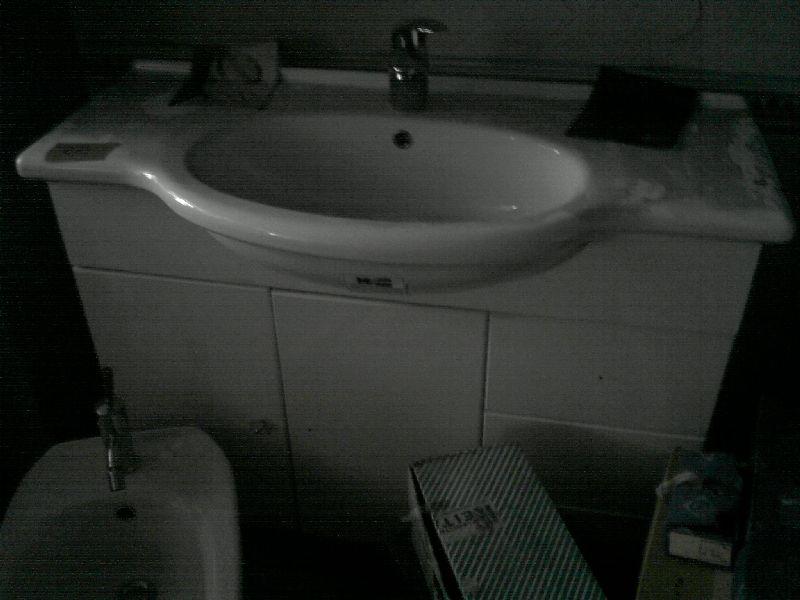 Stock piastrelle ceramiche sanitari box doccia vasche