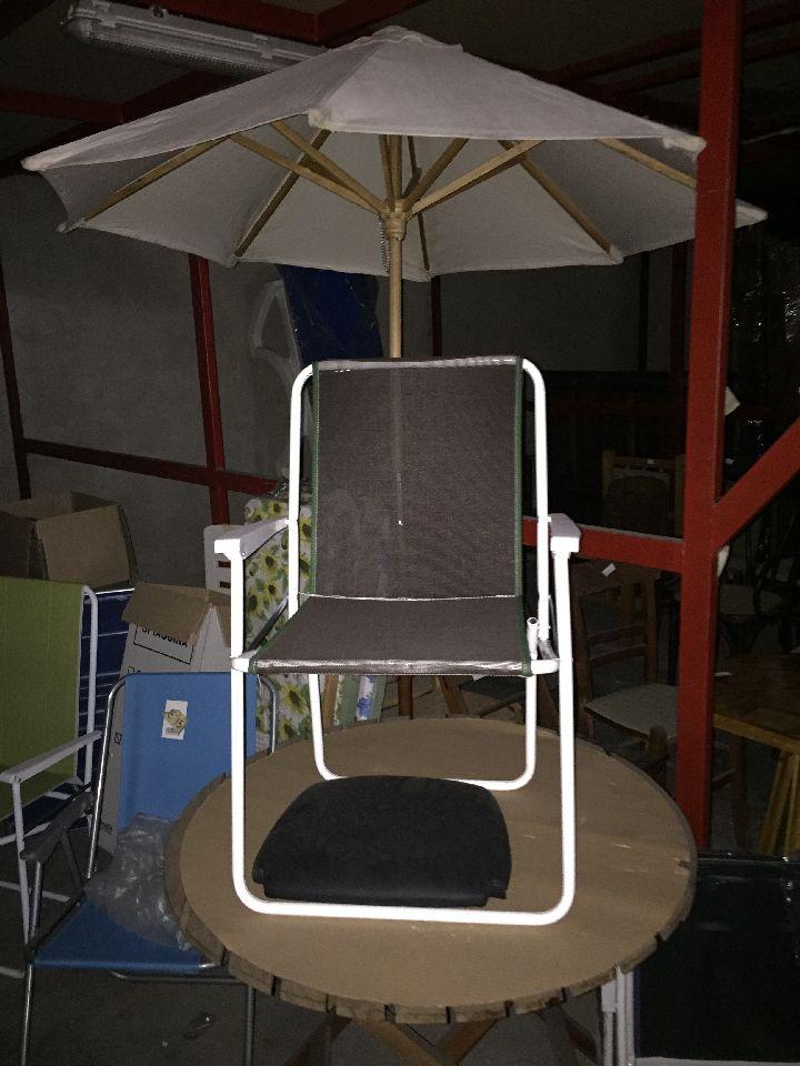 Sdraio Da Mare In Legno.N 10 Sedie Per Mare N 1 Tavolino Rotondo In Legno N 5 Assi Da