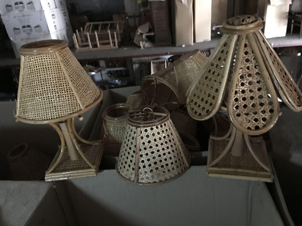 Stock di lampade da comodino senza parte elettrica : n.73 applique