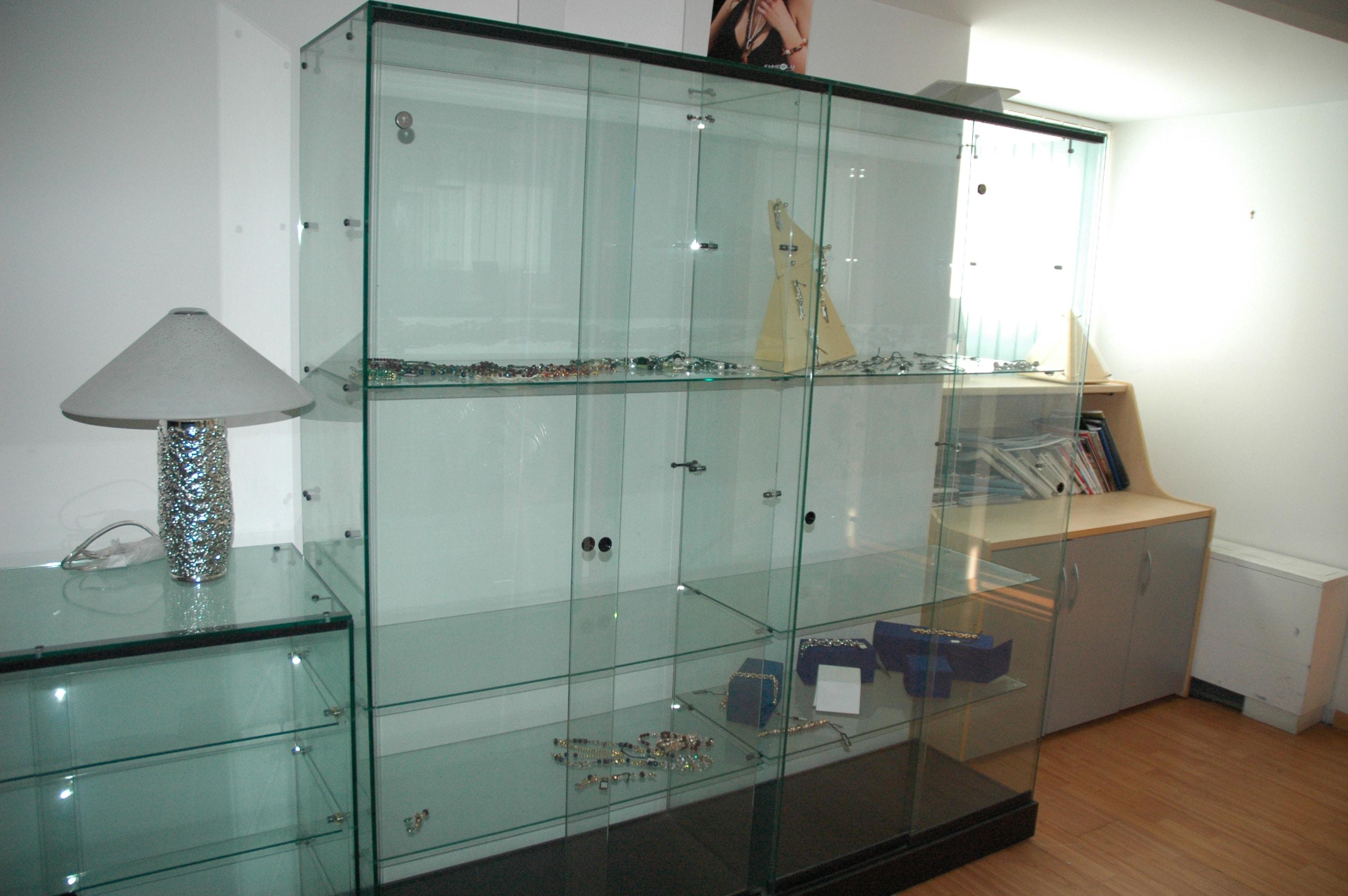 Stock mobili ufficio mash poltrone da ufficio pelle for Stock mobili ufficio
