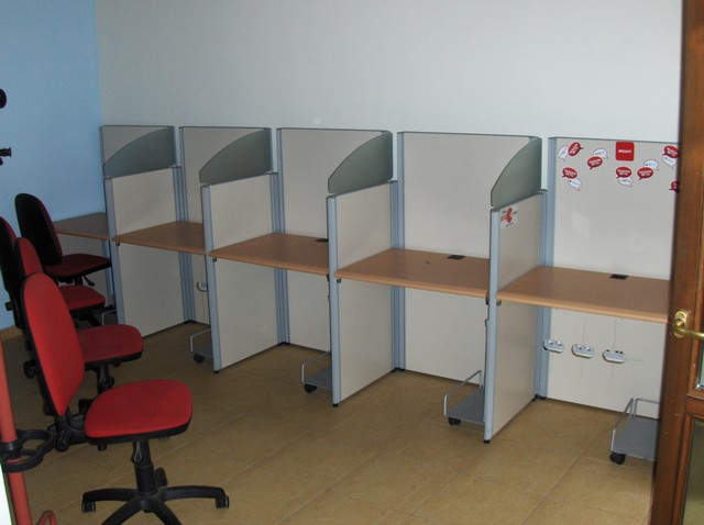 Arredamento e attrezzature per call center for Arredamento call center