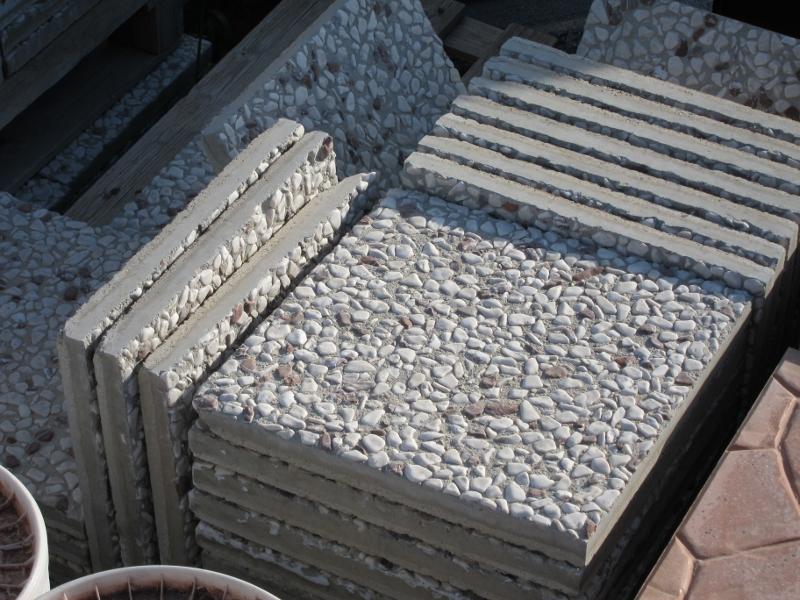 stock costituito da n 84 mattoni per esterno in cemento