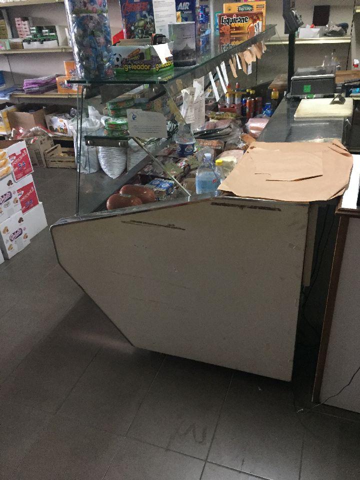 Banco frigo marca isa arredamenti con piano in acciaio e for Isa arredamenti