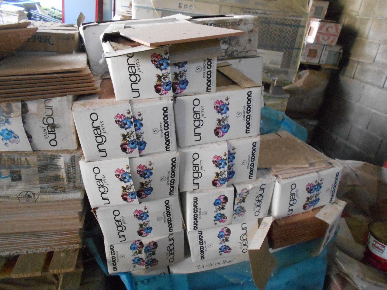 Stock di piastrelle per rivestimenti - Astemobili.it
