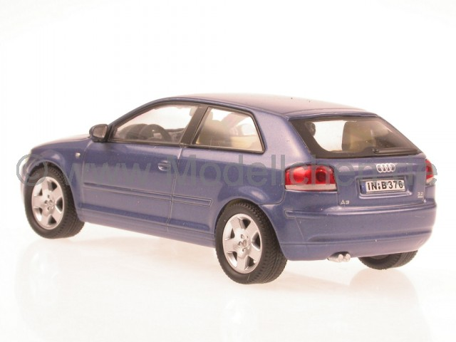 audi a3 8p 3d 2007 blau modellauto in vitrine cararama 1 43. Black Bedroom Furniture Sets. Home Design Ideas