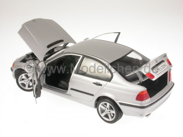 bmw e46 328i 3er reihe silber modellauto welly 1 18. Black Bedroom Furniture Sets. Home Design Ideas