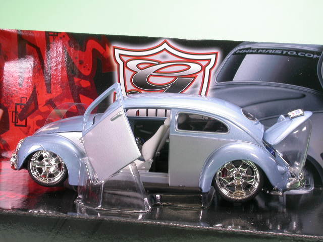 vw k fer tuning g bugz hellblau modellauto maisto 1 24. Black Bedroom Furniture Sets. Home Design Ideas