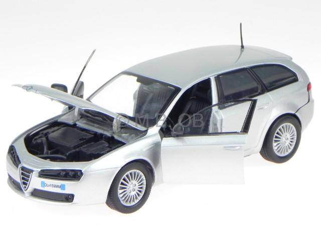 Alfa Romeo 159 SW Sport Wagon combi plata 2005-2011 1//18 Motormax modelo coche...
