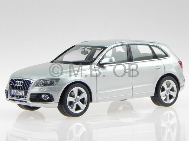 Audi Q5 PA weiss Modellauto 450756000 Schuco 1:43