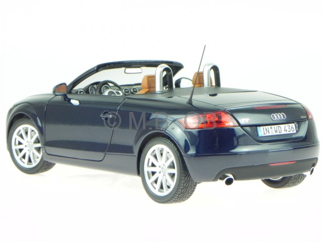 audi tt 8j roadster blau modellauto minichamps 1 18 ebay. Black Bedroom Furniture Sets. Home Design Ideas
