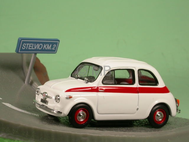 Fiat-500-Sport-blanco-coche-en-miniatura-Diorama-Altaya-1-43