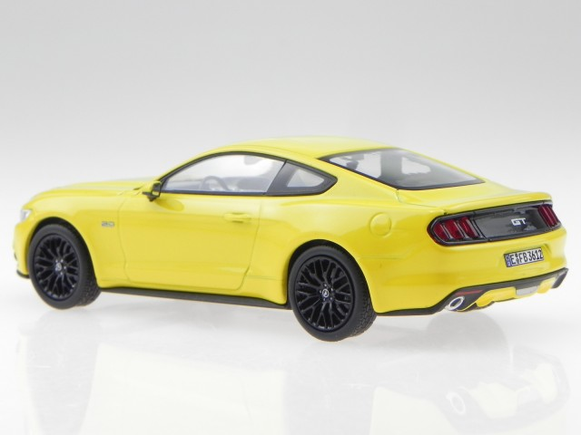 NO 270554 Ford Mustang Fastback 2015 Yellow  NOREV Echelle 1//43