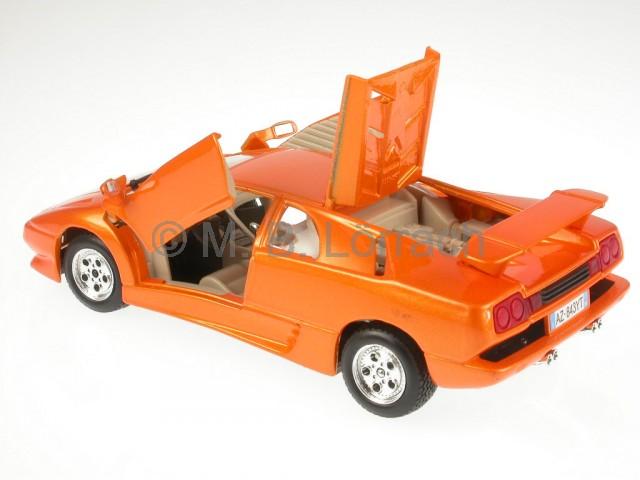 Lamborghini Diablo Orange Diecast Model Car 18 22086 Bburago 1 24