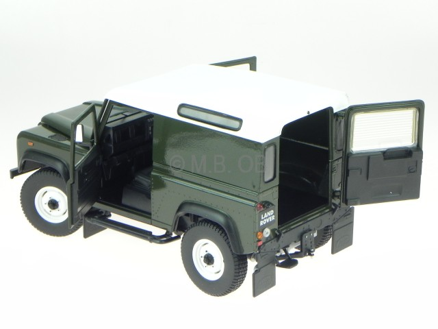Land Rover Defender 90 Tdi green cast model car 3882 Universal ...