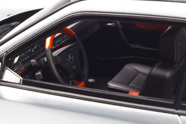 Mercedes C124 E36 AMG Coupe brillant argent véhicule miniature OT731 Otto 1:18