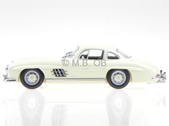 Mercedes W198 I 300 SL 1955 creme Modellauto 940039002 Maxichamps 1:43