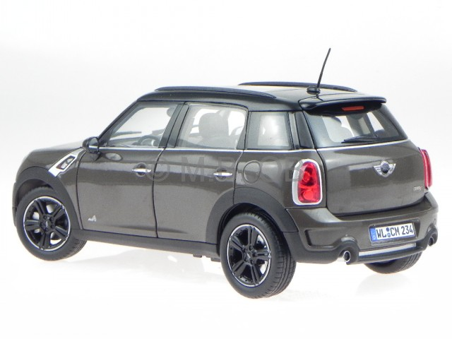 mini cooper s countryman braun 2010 modellauto 183104. Black Bedroom Furniture Sets. Home Design Ideas
